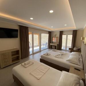 Hotel Karos 3*