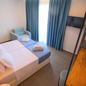 Hotel Blue Eye 4*
